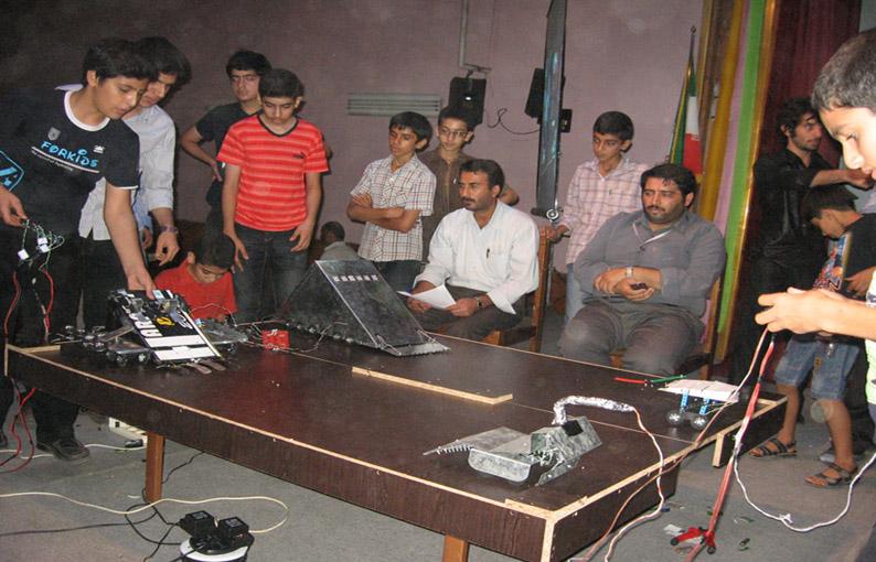 مسابقات رباتیک استانی در قائمشهر